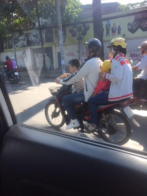 ベトナム・オートバイの様子