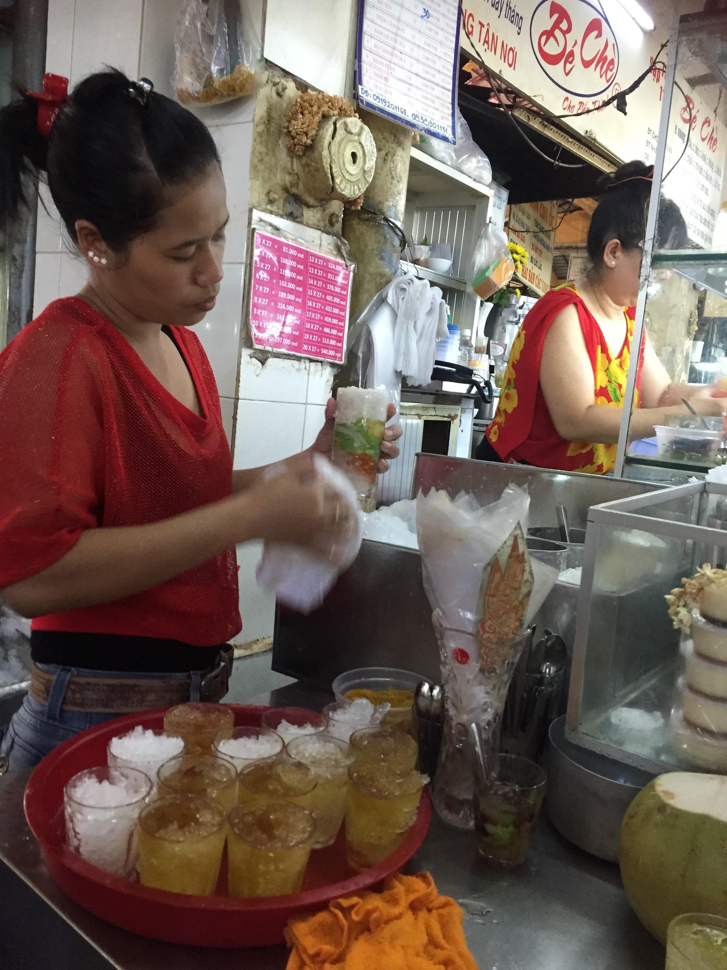 市場のベトナム女性