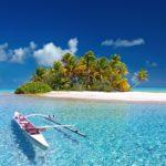 無人島に持って行くコスメは・・