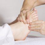 足のむくみを解消したい!むくみの原因や対策、マッサージを総まとめ